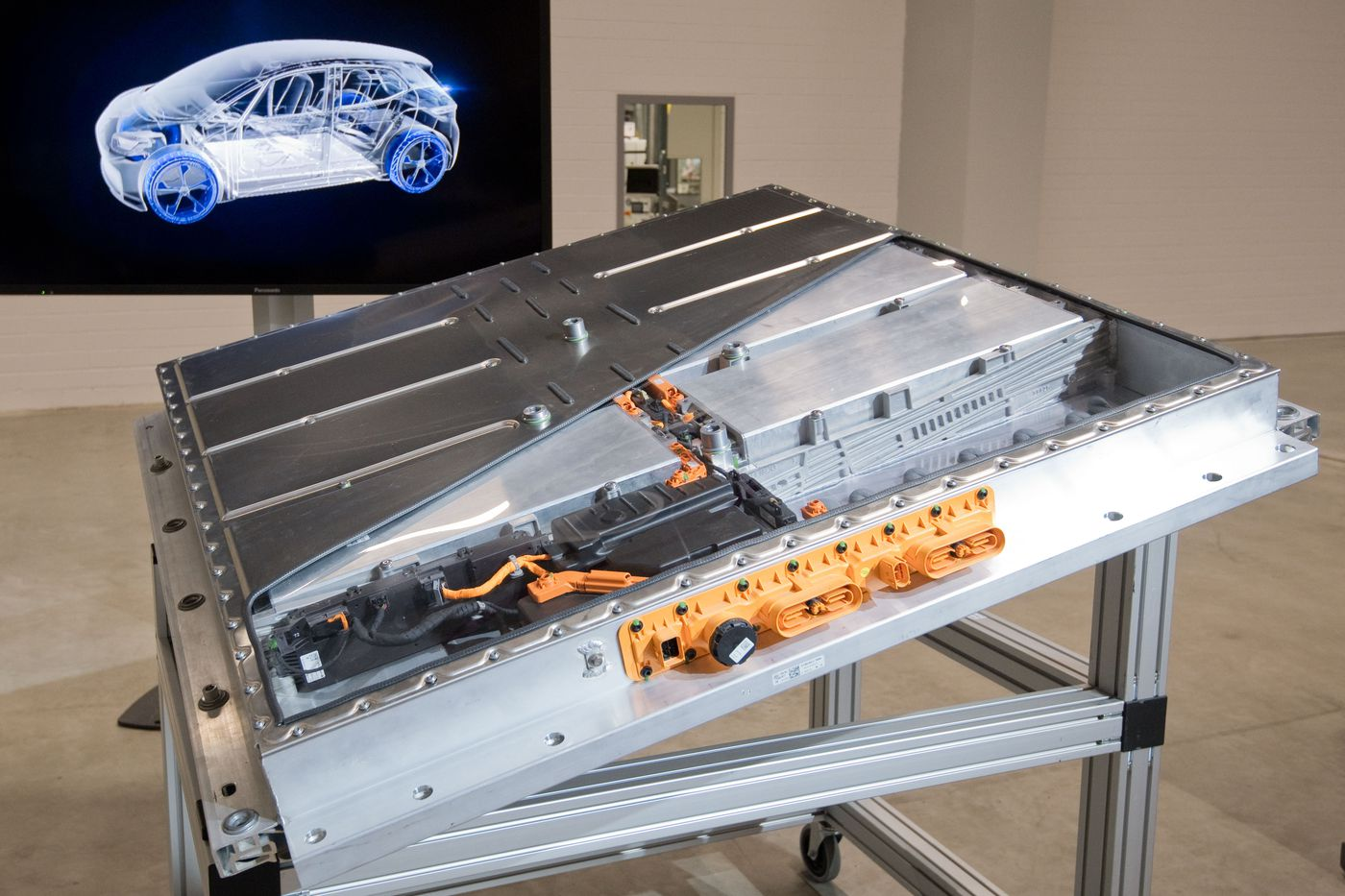 The electric vehicle industry needs to figure out its battery problem