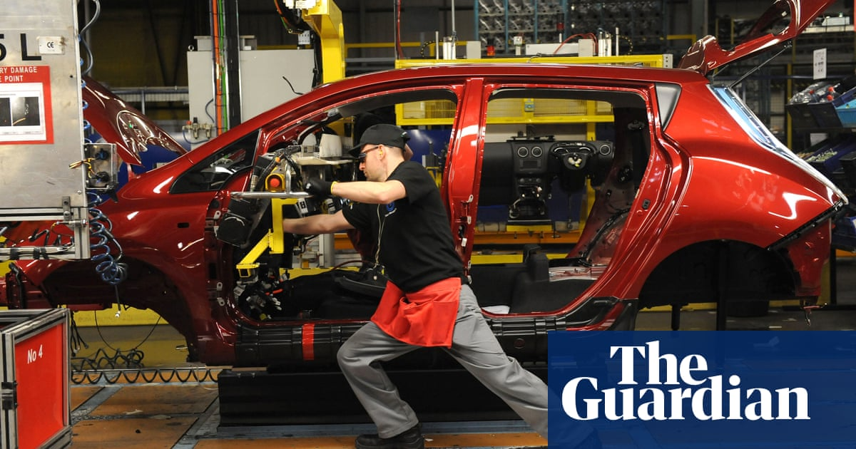 Not investing in electric car battery production could cost UK 105,000 jobs – study